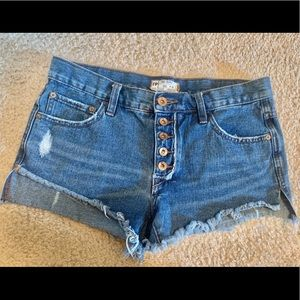 Free People button fly jean shorts 26